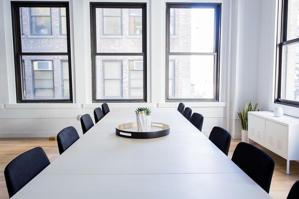 Auswahl der richtigen Büromöbel für Ihren Arbeitsplatz